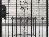 ヨーロピアン志向の門柱と門扉